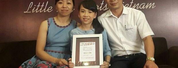 """Cô bé Bống bán """"chè bưởi"""" Tuyên Quang: Tự lập tài chính từ lớp 2!"""