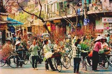Người Hà Nội đón Tết: Nét xưa hòa lẫn nét hiện đại