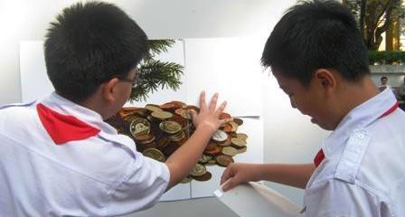 Dạy trẻ tiêu tiền vì chính mình (bài trên báo Dân Trí)